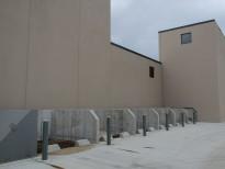 Рядный склад инертных материалов из бетона
